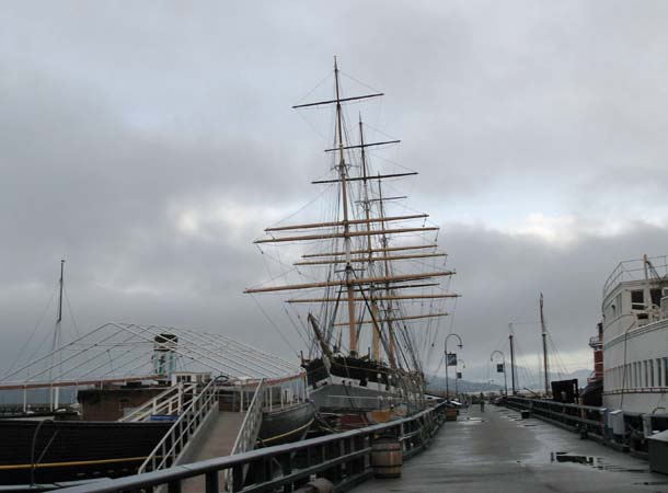 1886 square-rigger Balclutha